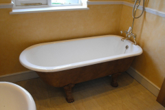 5-fantastic-re-enamelled-roll-top-bath-with-original-taps-2